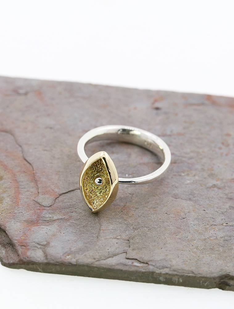 Navette 1: handgemachter Bicolor Ring aus 925er Silber, 750er Gelbgold