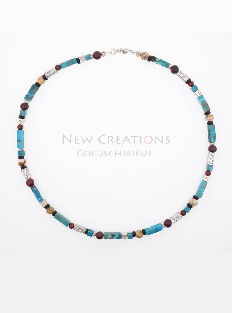 Halskette aus Türkis, Jaspis, Kokosnussschale und Silberelementen