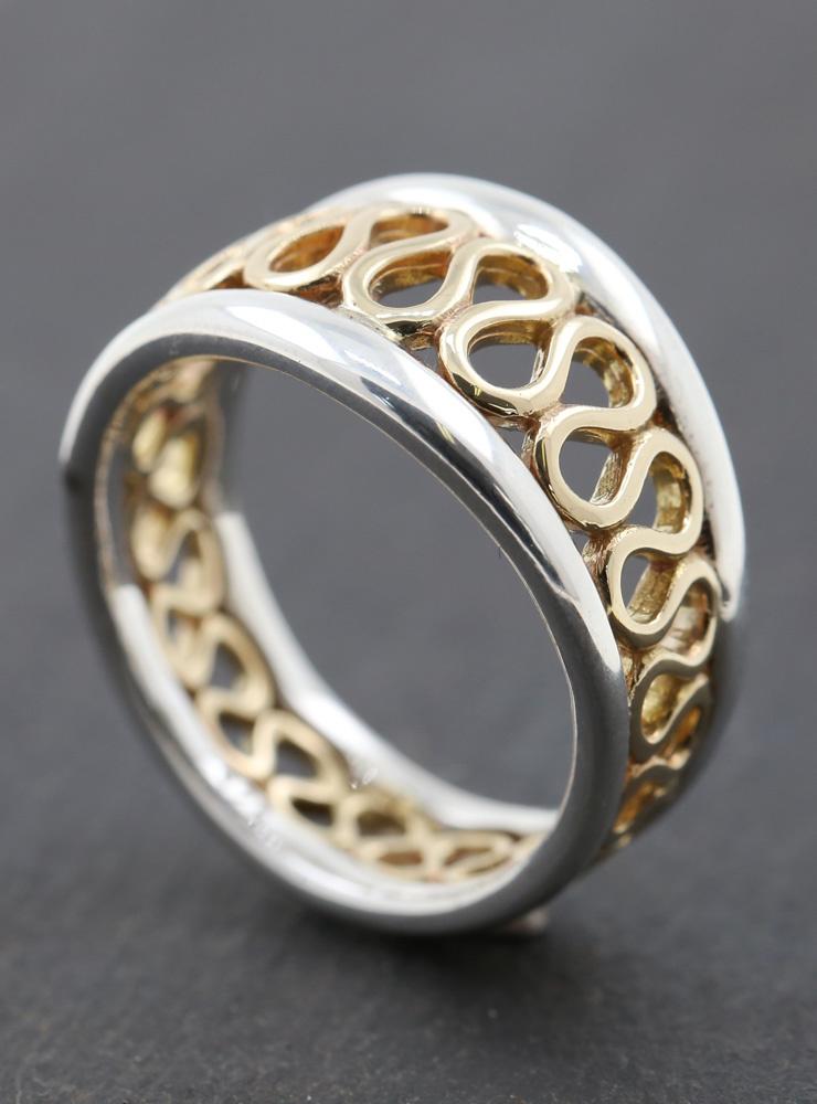 Mäander: Ring aus 925er Silberund 750er Gelbgold