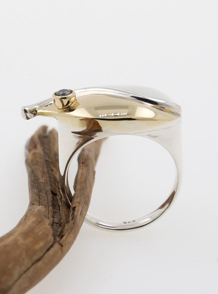 Welle: Ring aus 925er Silber, 585er Gelbgold und  Champagner-Diamant