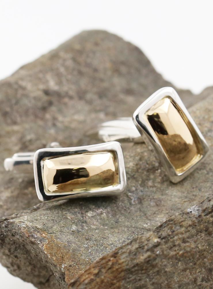 Rechteck: elegante Manschettenknöpfe aus 750er Gelbgold und 925er Silber
