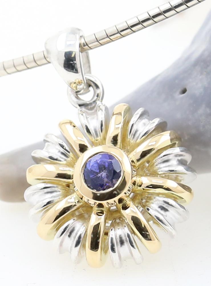 Sultan: Außergewöhnlicher Anhänger aus 925er Silber, 750er Gelbgold und Tansanit