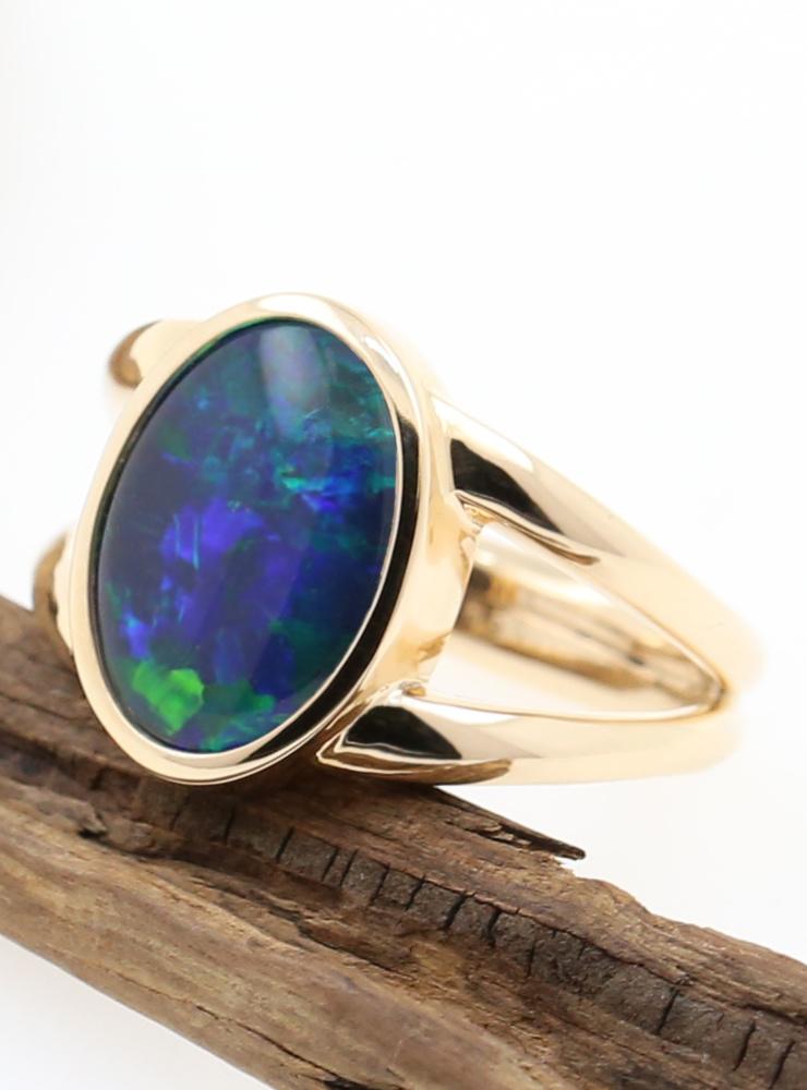 Juno: Ring aus 585er Roségold und Opaltriplette