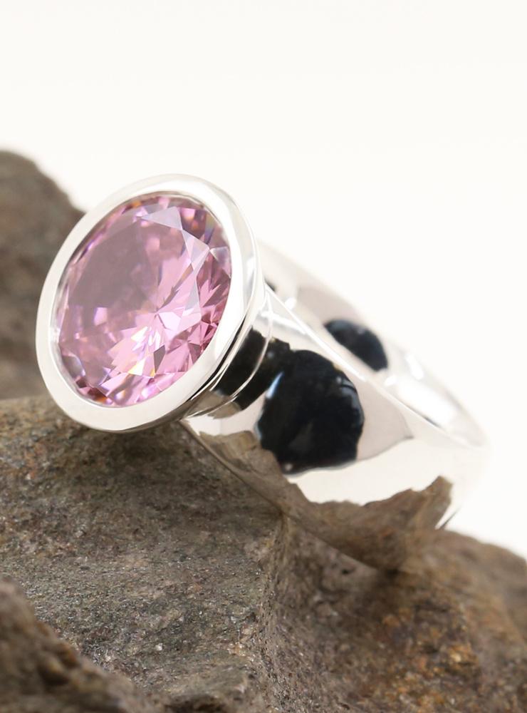 Prunkstück Pink: Ring aus 925er Silber und Cubic Zirkonia