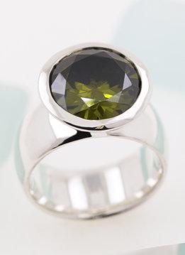 Ring Prunkstück  Peridotgrün