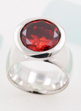 Ring Prunkstück Rubinrot