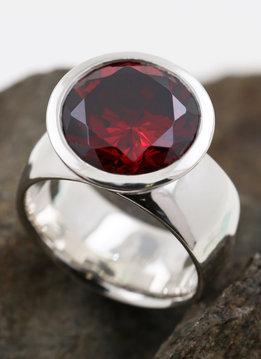 Ring Prunkstück Granatrot