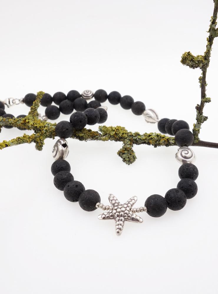 Halskette aus Lavastein, Seestern und anderen Meeresbewohnern