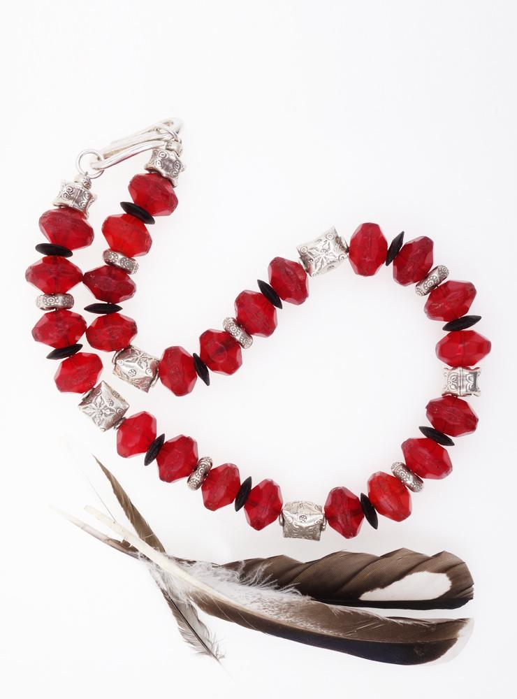 Halskette aus antiken Glasperlen, Kokosnussscheiben und Silber