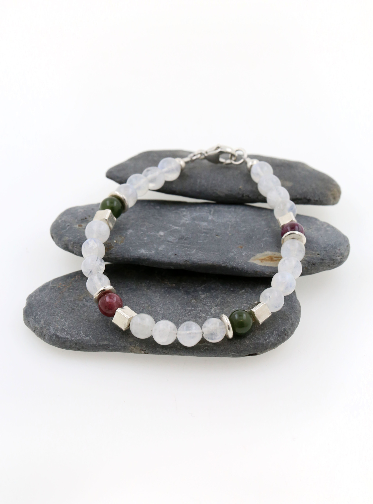 Armband aus Mondstein, Turmalin und Silber