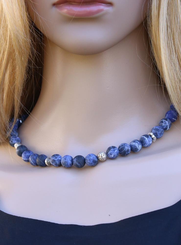 Halskette Sodalith-Kugeln mit Silberelementen