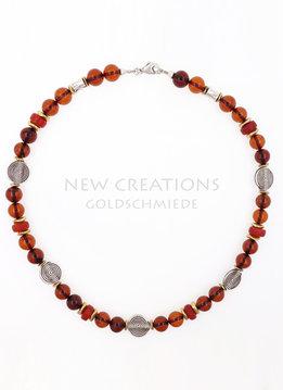 Halskette Bernstein, rotes Glas, Silber, Messing