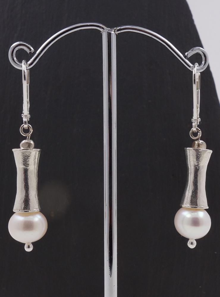 Ohrringe aus Süßwasserperle und Silber