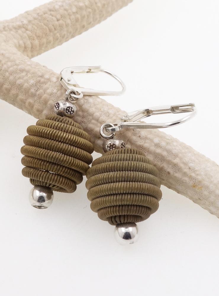 Ohrringe aus Messing und Silber