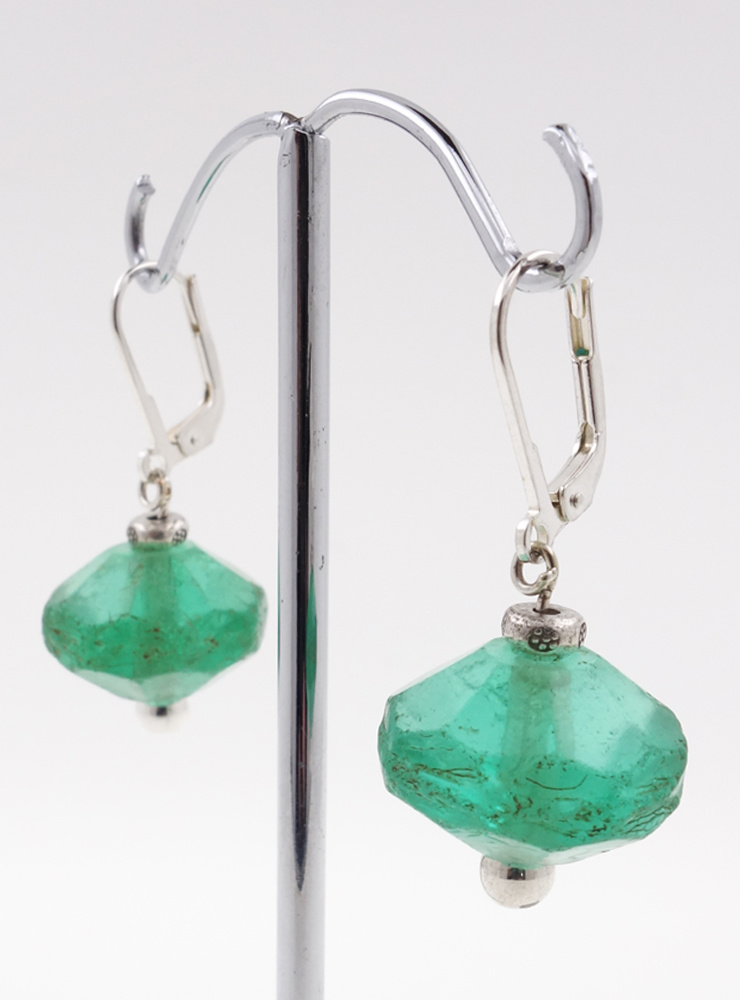 Ohrringe aus antikem Glas und Silber