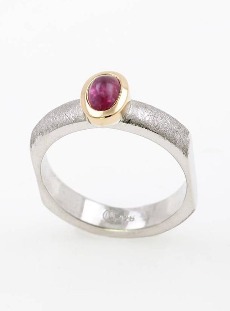 Modern Times: Ring aus 925er Silber, 750er Gold und Turmalin