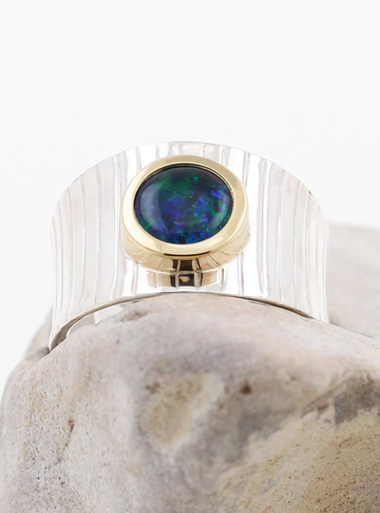 Mainhattan - breit: Ring aus 925er Silber, 750er Gelbgold und Opaltriplette