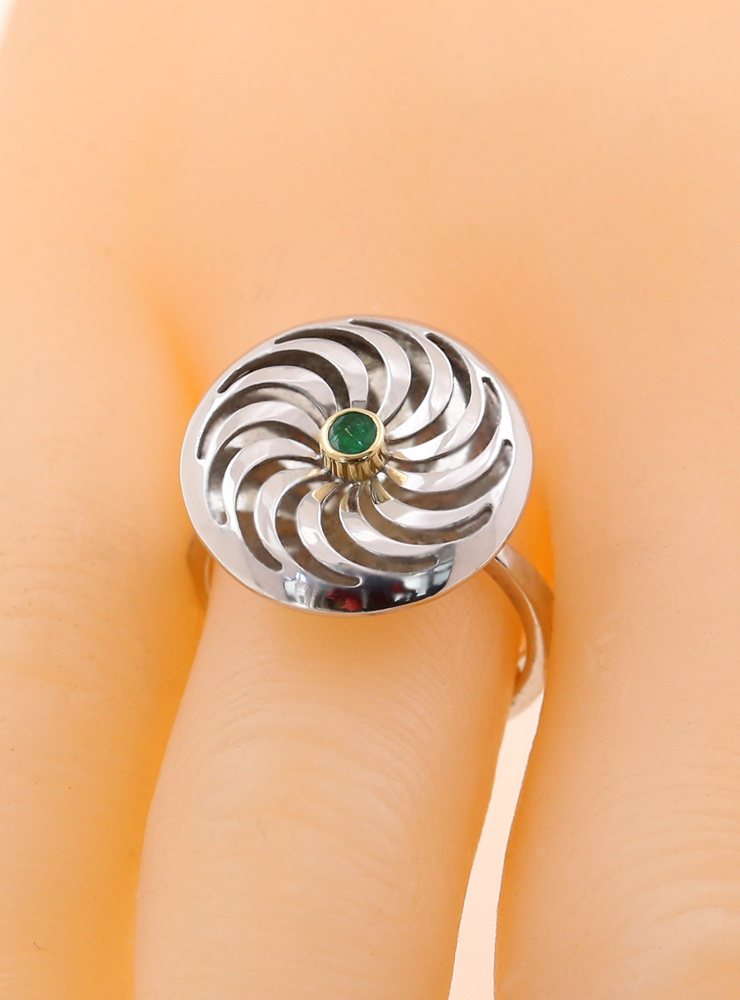 Rügen-Ring aus 925er Silber, 750er Gelbgold und Smaragd