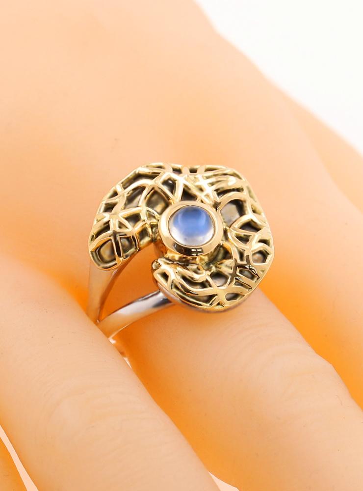 Mystery: Extravaganter Ring aus 925er Silber, 750er Gelbgold und Mondstein