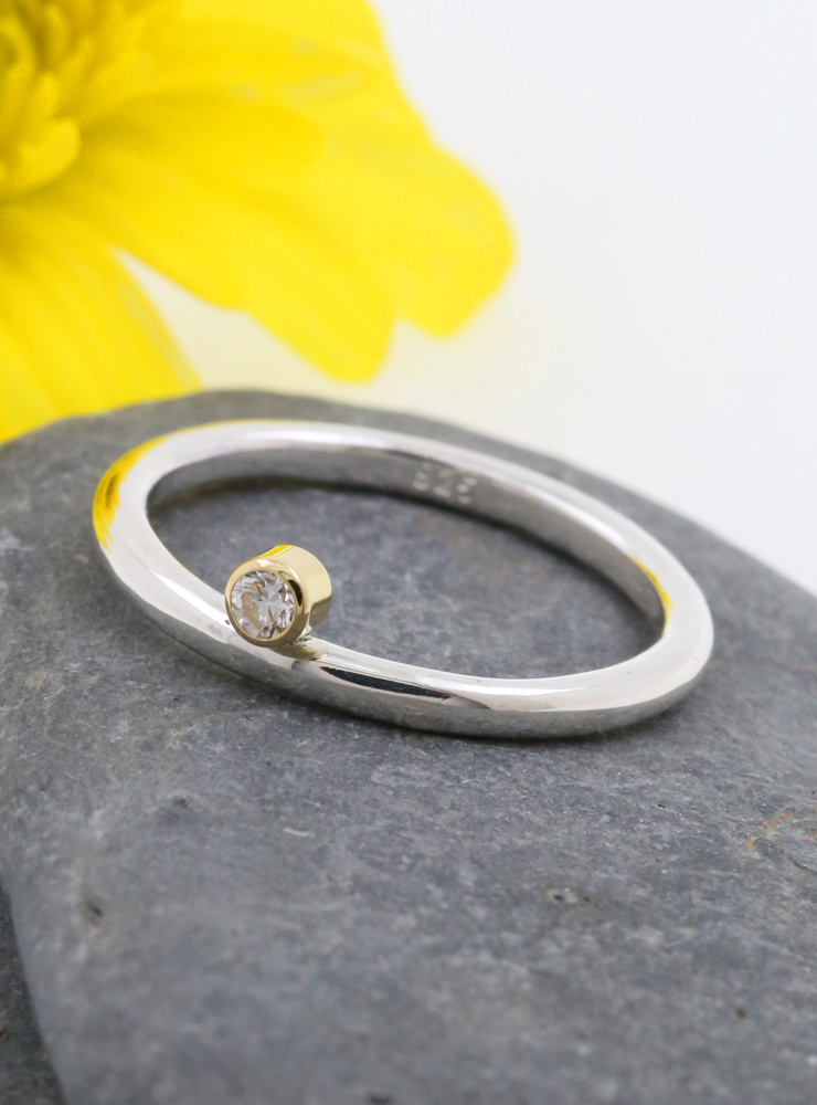 "Ring ""Ringlein 2"" Bicolor Diamant"