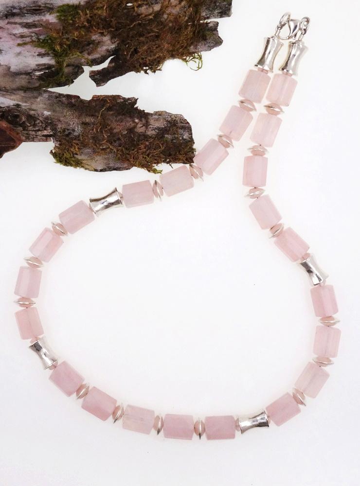 Halskette aus Rosenquarz und Silber
