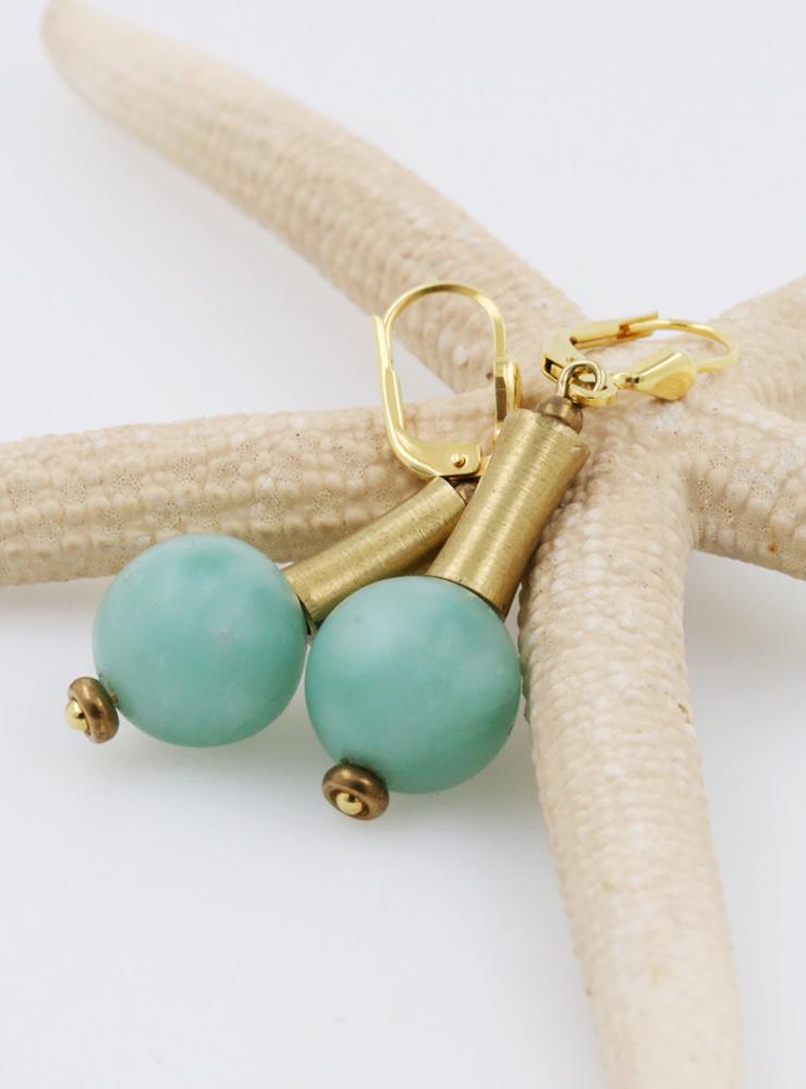 Ohrringe aus grünem Mondstein, Messing und Silber vergoldet