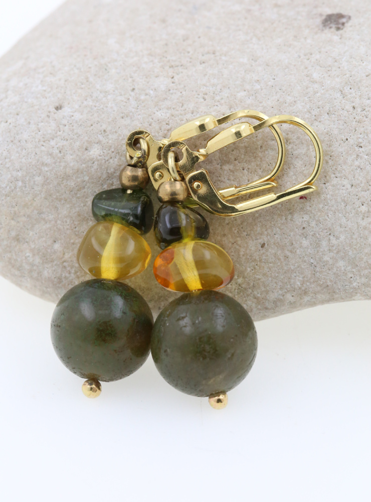 Ohrringe aus Labradorit, Bernstein, Turmalin, Messing und Silber vergoldet