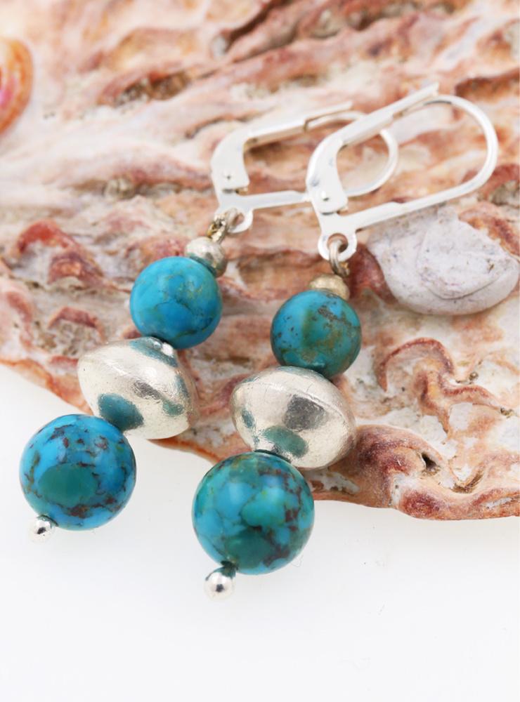 Handgemachte Ohrringe aus Türkis und Silber