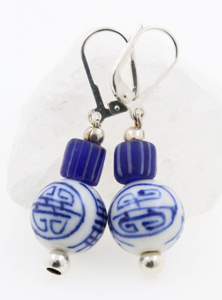 Ohrringe aus Porzellan, Glas und 925er Silber