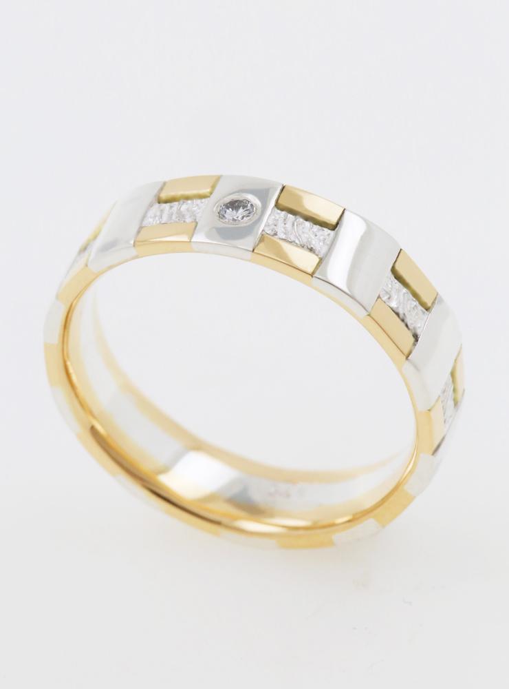 Tatami: Ehering mit Diamant aus 750er Gelbgold und 925er Silber