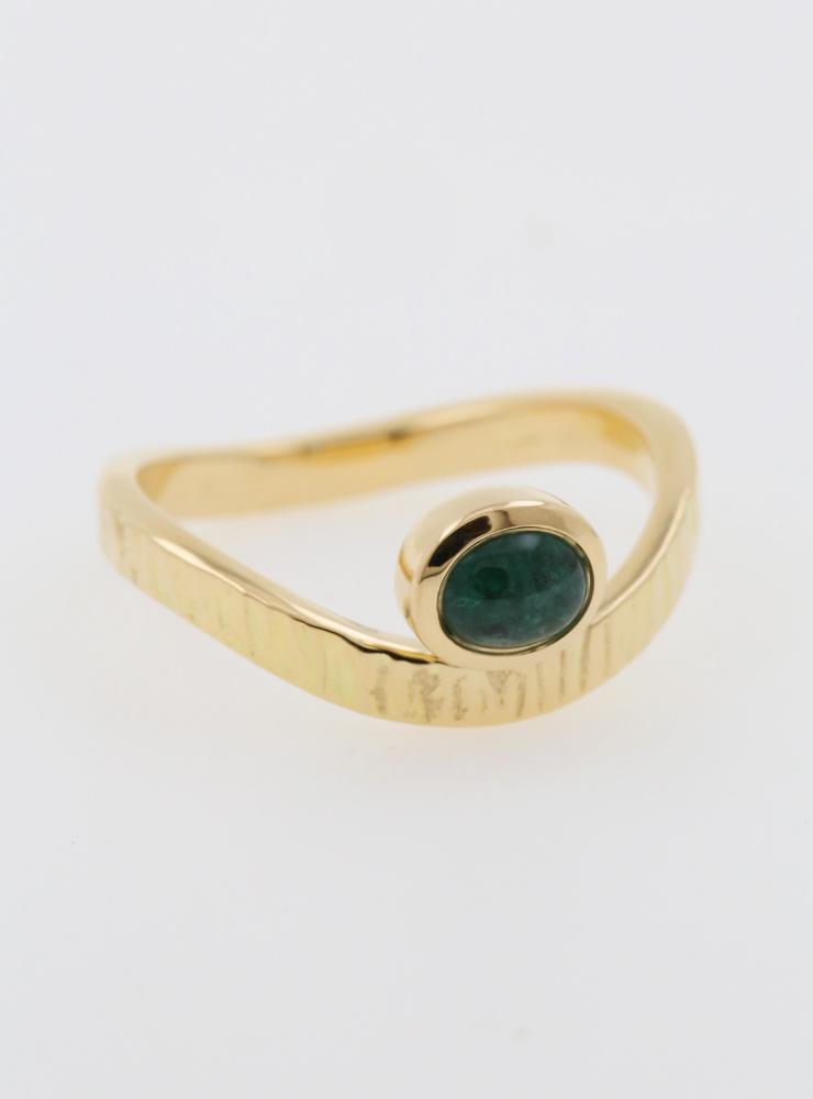 Liane: Ring aus 750er Gelbgold und Smaragd