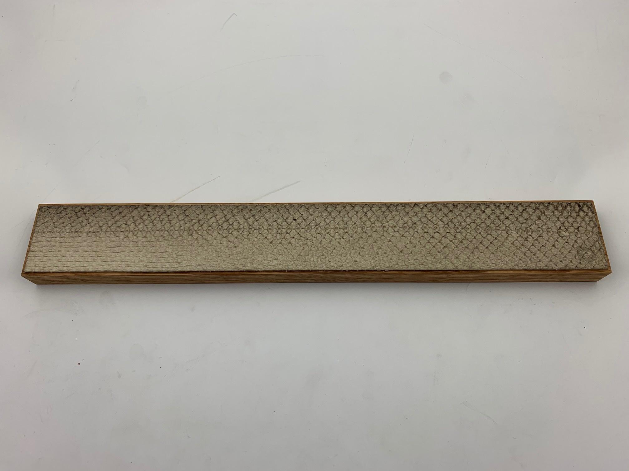 PIOTR THE BEAR  magneetstrip 400 mm Zalmhuid