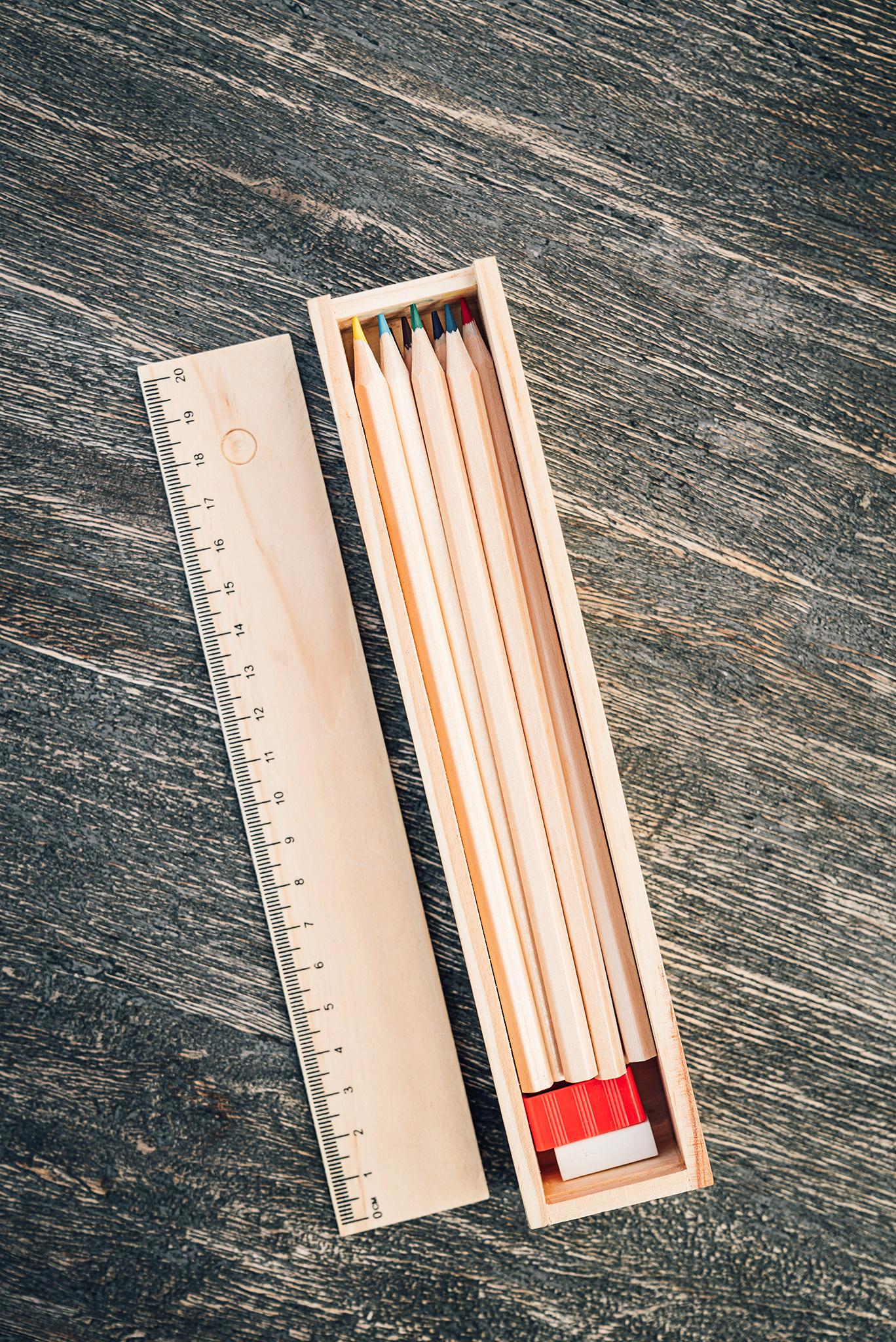 12 Kleurpotloden in liniaaldoosje  & kleurboekje