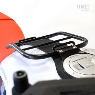 Unitgarage Gepäckträger auf Tank mit schwarzem Tankgurt für BMW R nineT