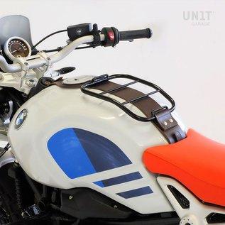 Unitgarage Gepäckträger auf Tank mit braunem Tankgurt für BMW R nineT