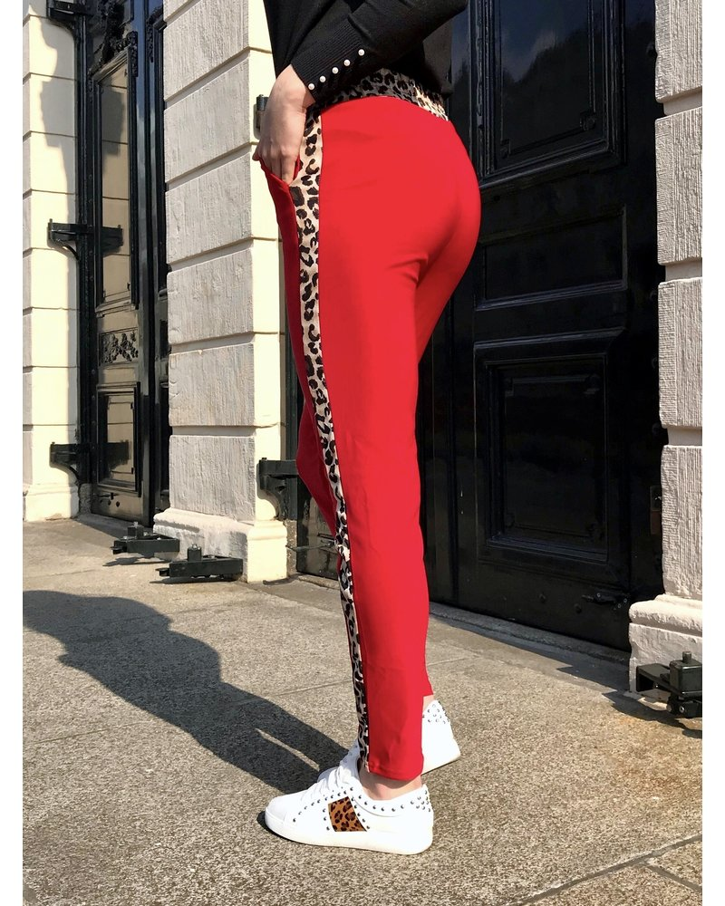 Perfect Leopard Striped Jogging- Red