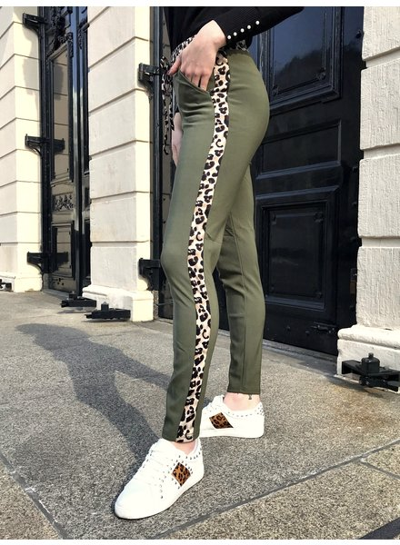 Perfect Leopard Striped Jogging - Army Green