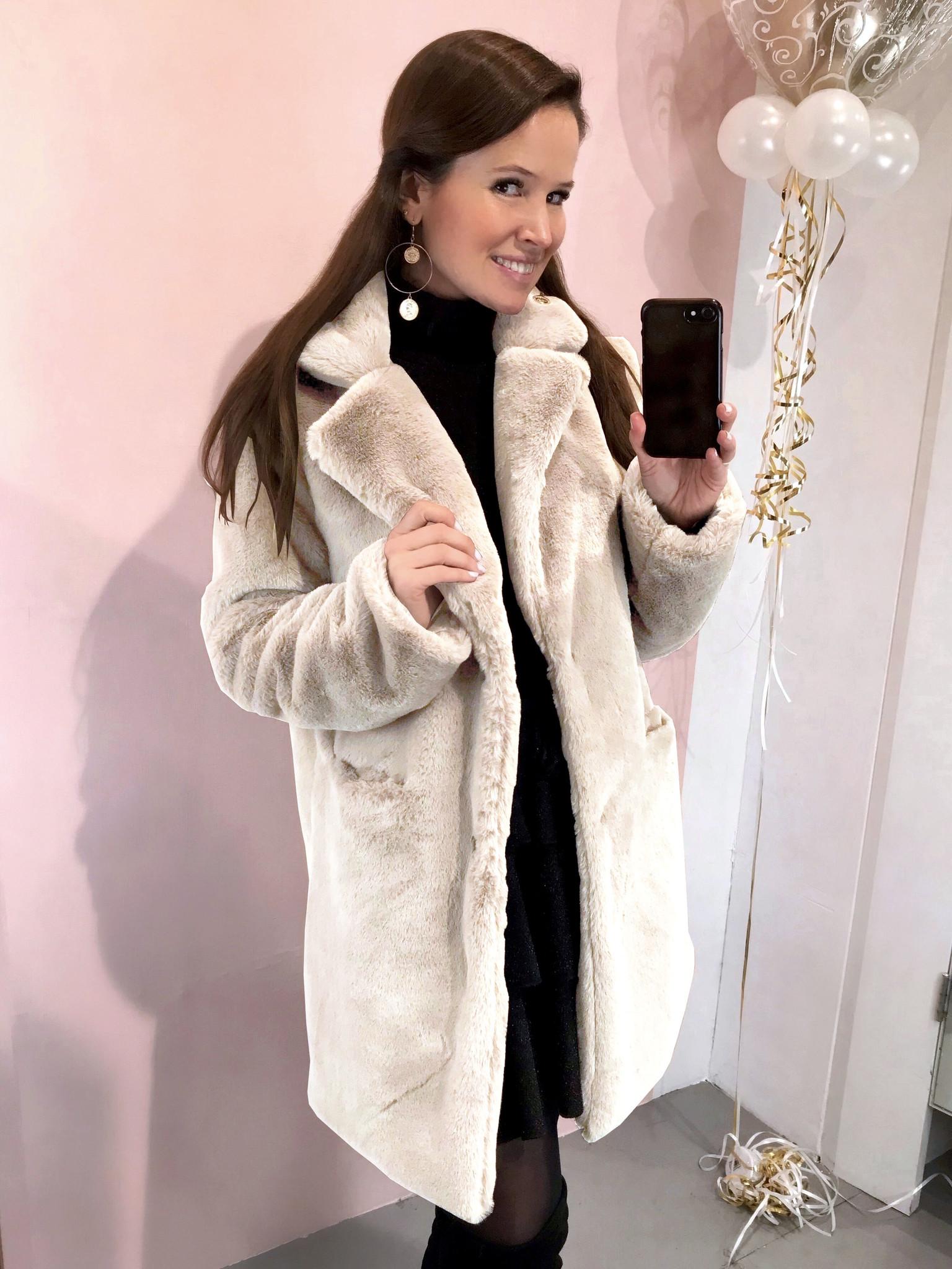 Paris Faux Fur Coat Beige