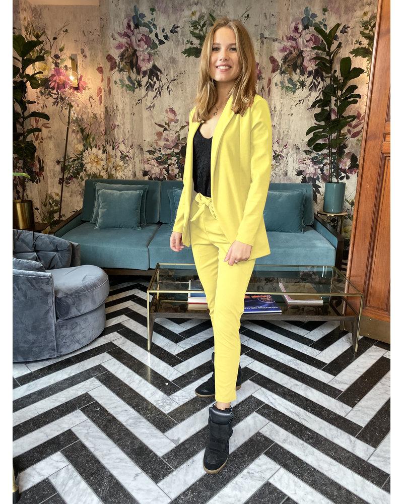 Stylish Suit - Yellow