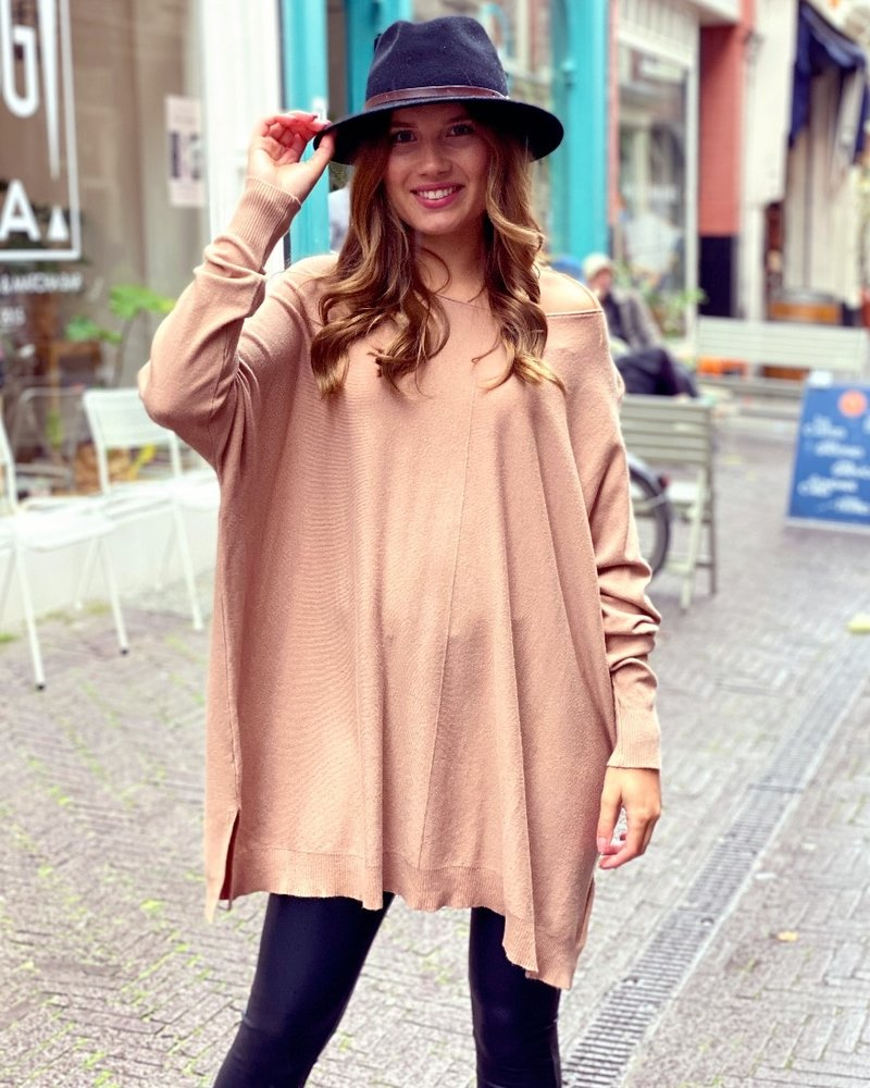 Oversized Amy Sweater - Light Camel