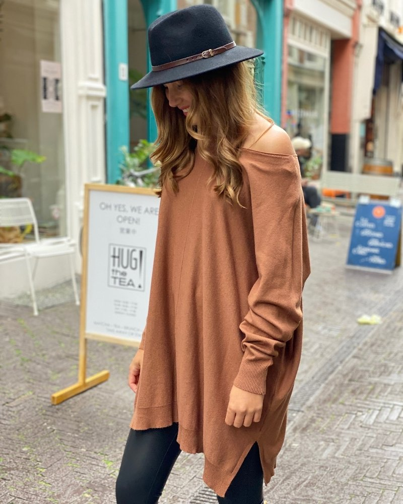 Oversized Amy Sweater - Camel