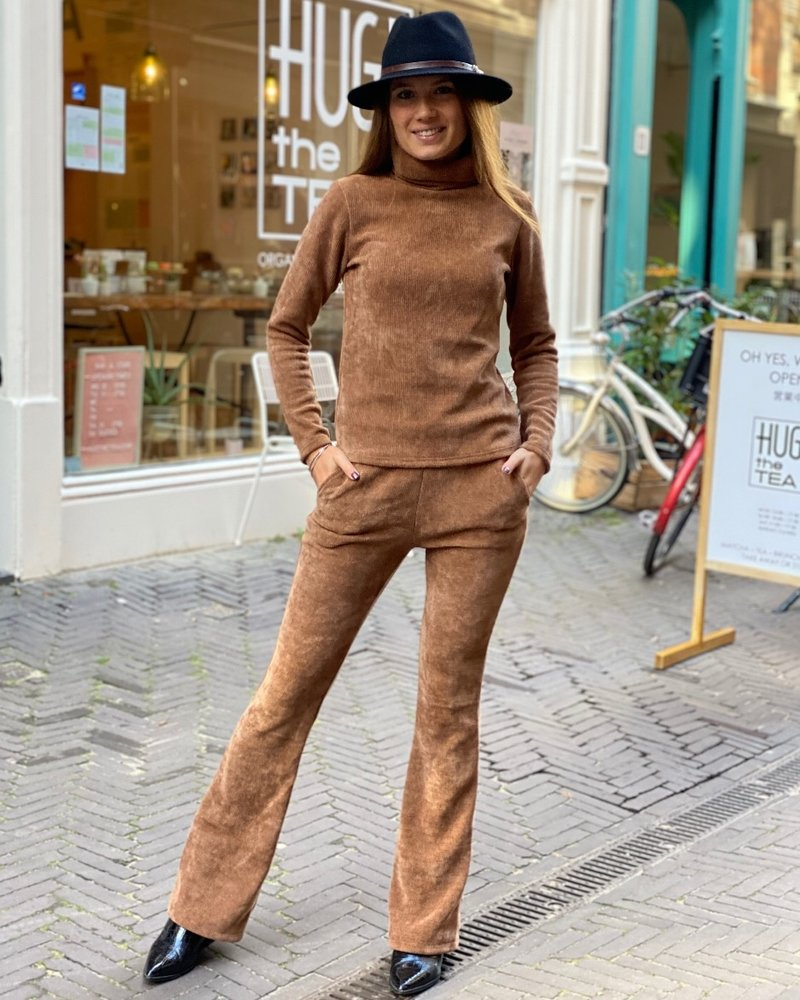 Indy Ribbed Col - Camel