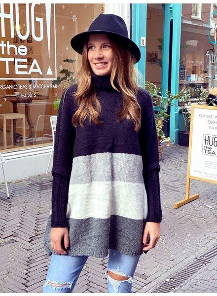 Oversized Col Sweater - Black / Grey