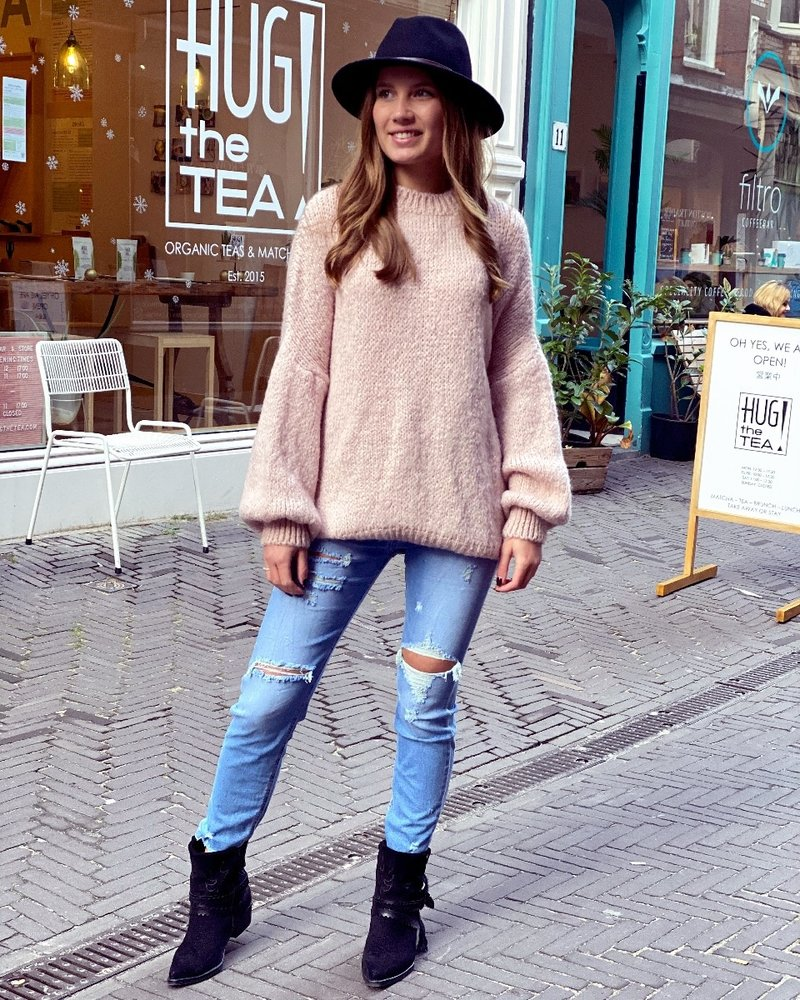 Cozy Round Neck Sweater - Light Pink