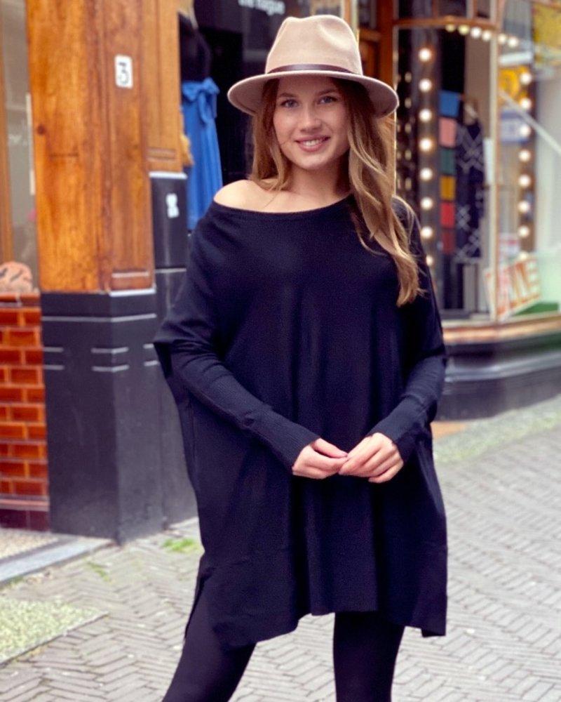 Oversized  Sweater - Black