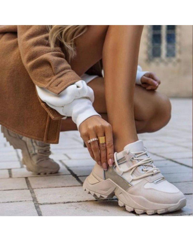 Riley Sneaker