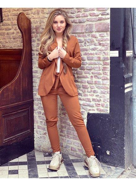 Sara Suit - Brown