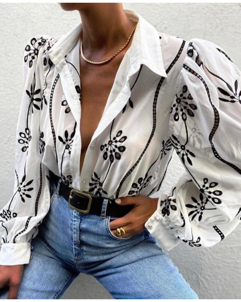 Mila Flower Blouse - Black/White