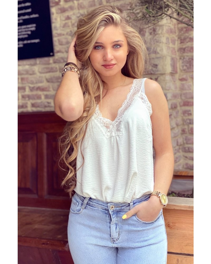Evy Lace Top - White