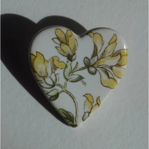 Stockwell Ceramics Heart yellow flower brooch